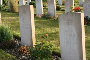 The graves of Lt Günter Beck  and Uffz Karl Hoyer