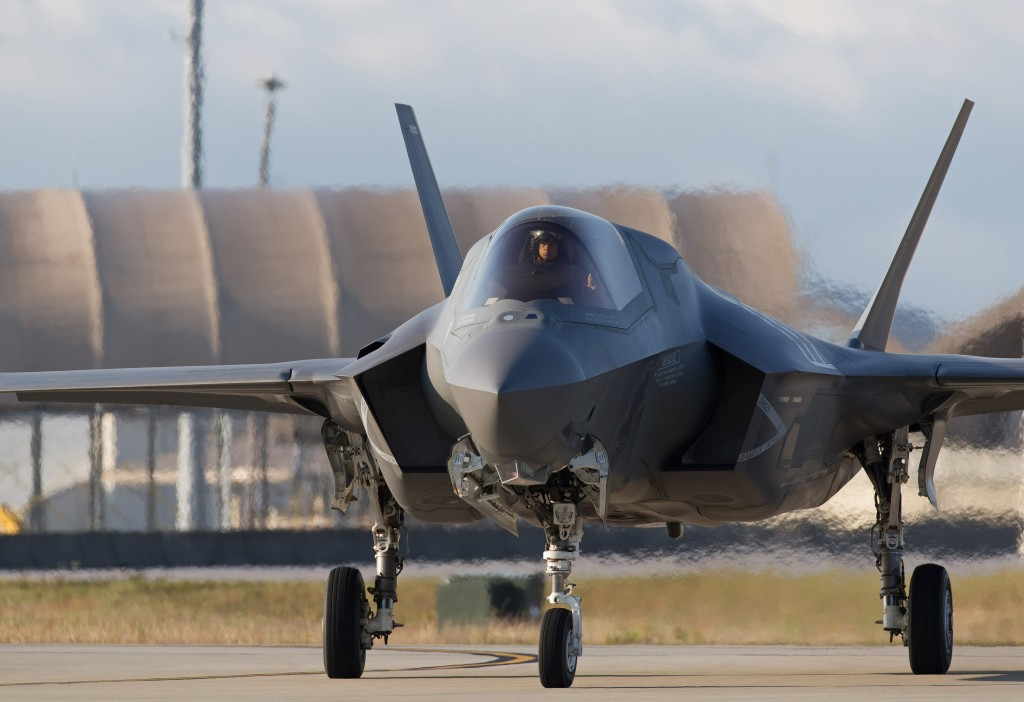A United Kingdom F-35B Lightning II taxiing at Eglin Air Force Base, Florida, USA. [Crown Copyright/MOD2014]
