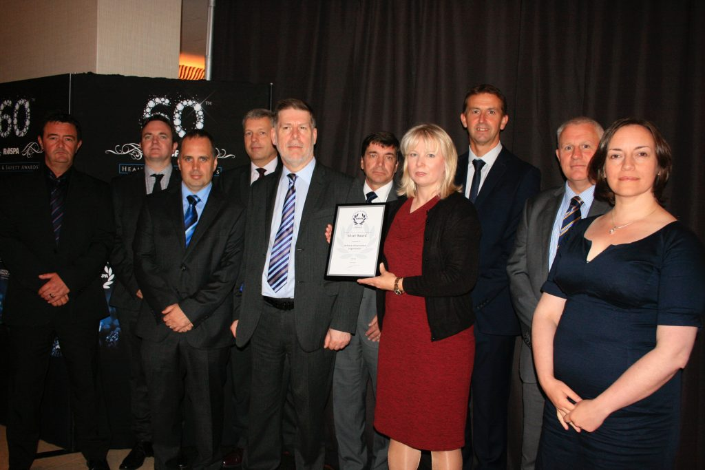 The team collecting the award. [Crown Copyright/MOD2016]
