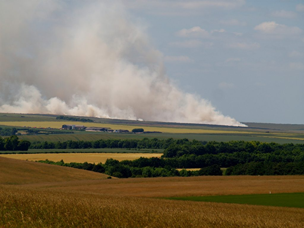 The Salisbury Plain fire created a significant amount of smoke. [Photo courtesy of Dorset & Wiltshire Fire and Rescue Service]